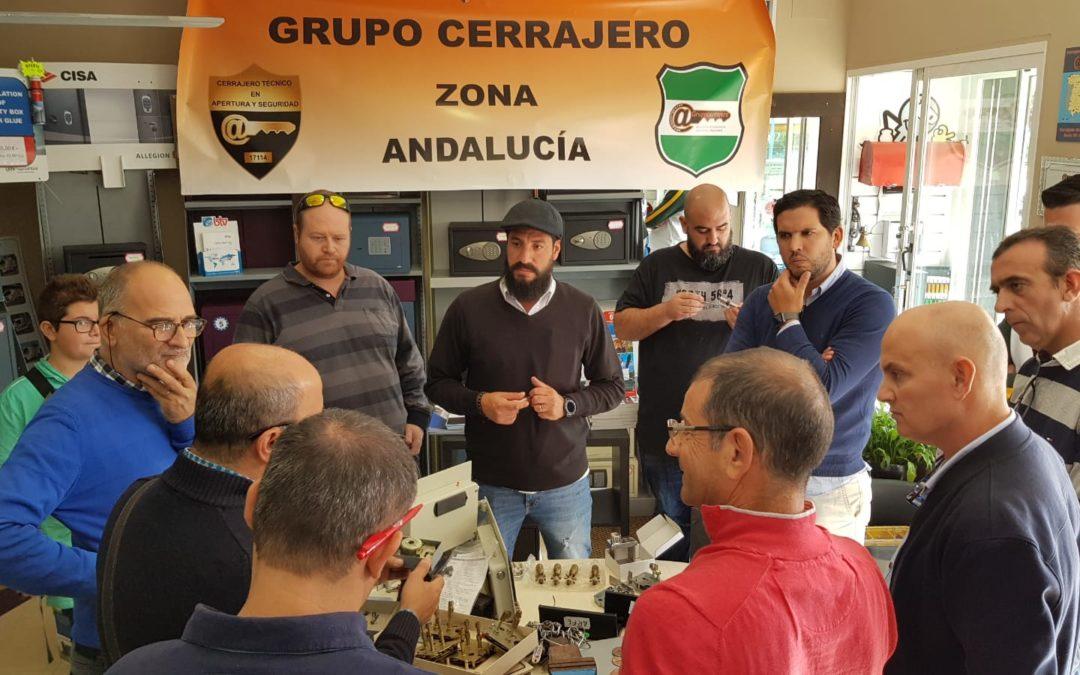 Jornada en delegacion grupo Cerrajero de Andalucía con curso caja fuertes